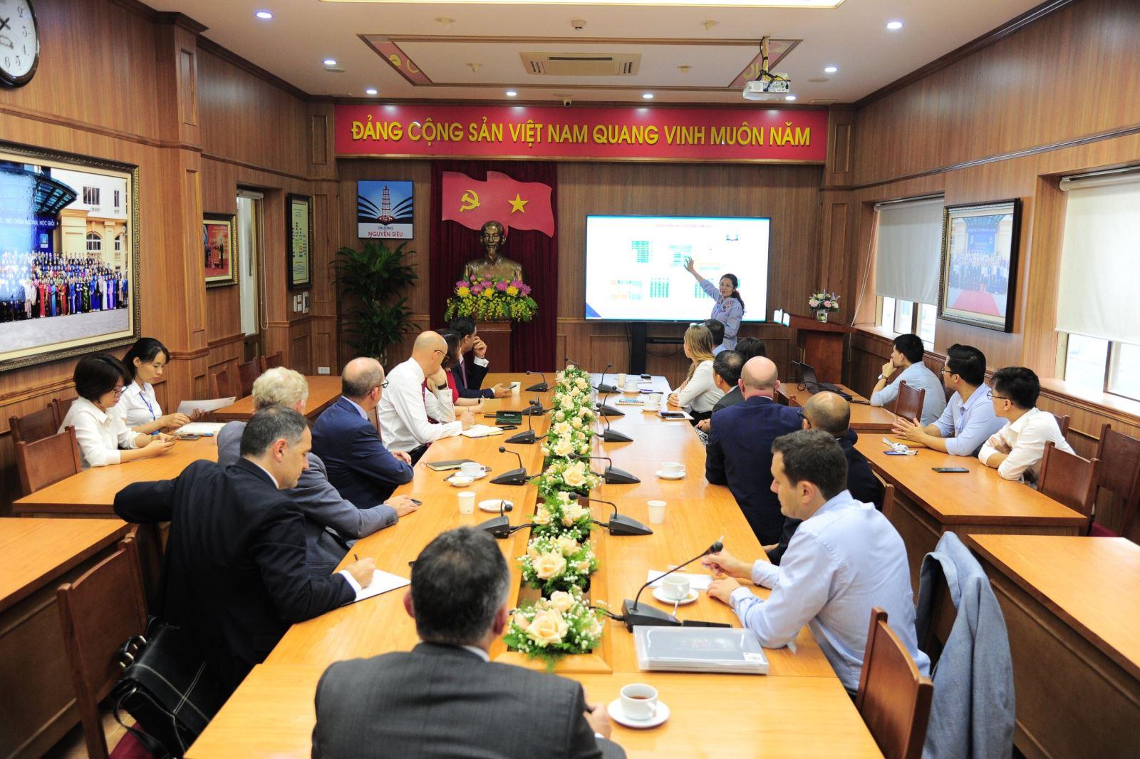 UK Delegates' trip to Nguyen Sieu School