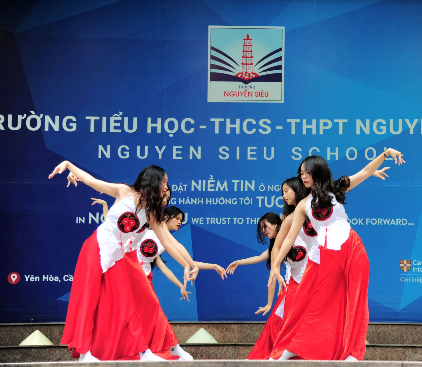 Celebrating Nguyen Sieu school's 28th year and Traffic safety awareness month